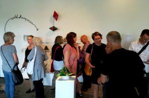 Beeld van de opening op 1 juni 2019 in Kunsthal 45 Den Helder